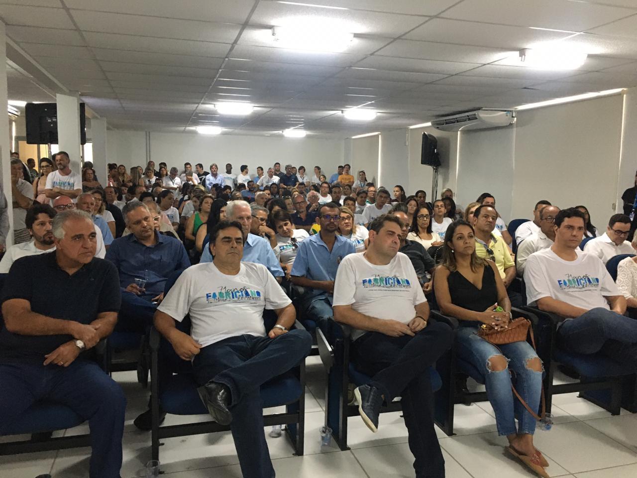 Entrega do Centro Administrativo, no Bom Jesus, também integrou a programação dos 71 anos da cidade.