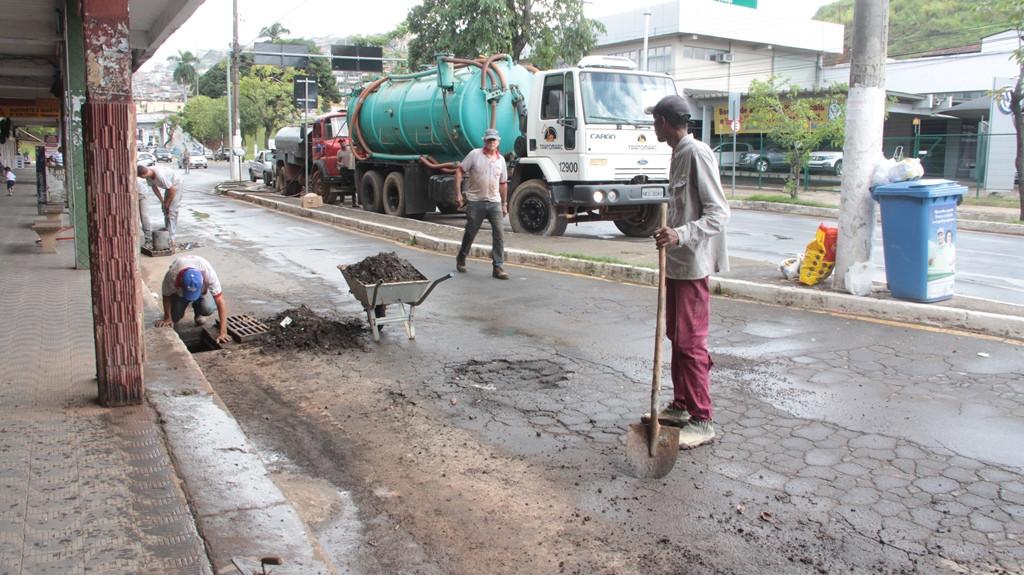 Secretaria de Obras fez nova limpeza e desobstrução das bocas de lobo