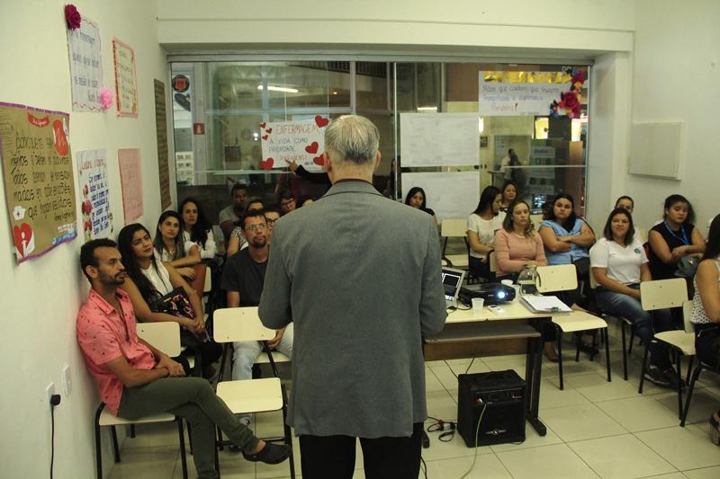 Fabriciano realiza oficina em comemoração ao Dia do Enfermeiro