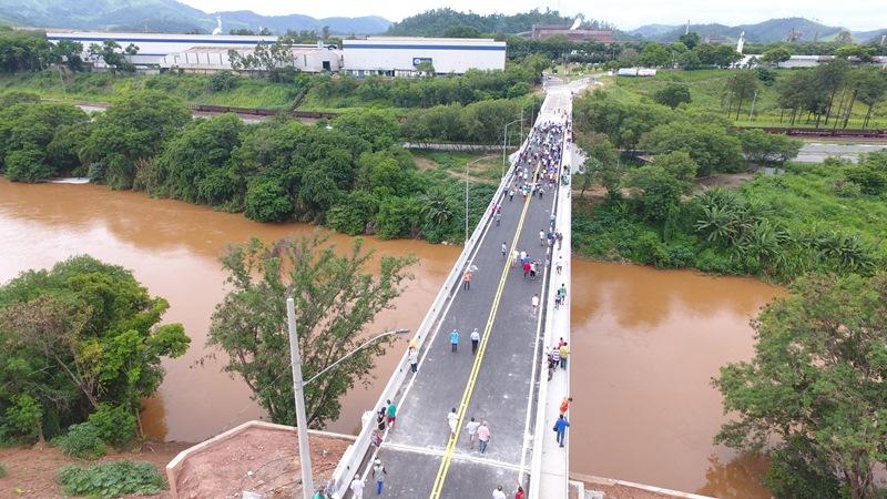 Ponte que liga Fabriciano a Timóteo é reinaugurada durante a programação de 71 anos da cidade