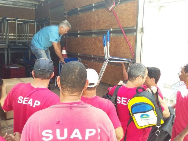 Fabriciano realiza doações de móveis, kits escolares e livros para o Presídio Regional