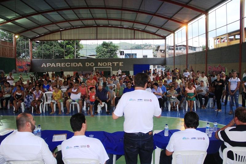 "Prefeitura entrega 71 escrituras do programa ""Morar Legal"" no Aparecida do Norte"